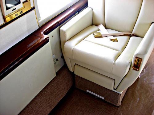 Gulfstream-G4-photo-2